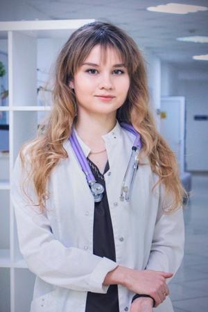 Колесникова Мария Николаевна - врач-терапевт, анестезиолог-реаниматолог.